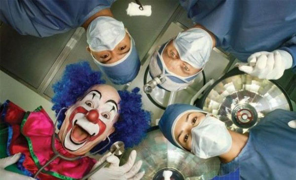 клоун и врачи